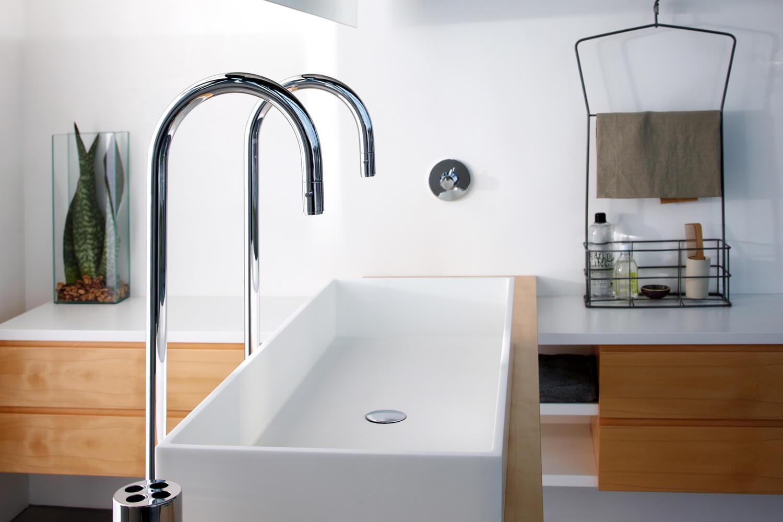 einzelstueck-corianbecken-waschbecken-luxus-modernes-baddesign-trends